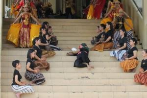 Mahakarya Seniman 2 Negara dalam ARTEASTISM #2